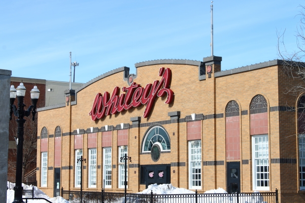 Whiteys A Place In East Grand Forks
