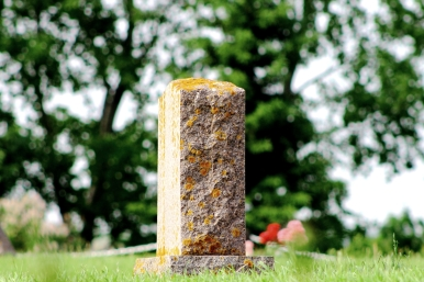 Gravestone Straightt